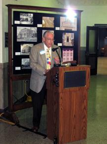 Dr. David B. Gracy II, Governor Bill Daniel Professor in Archival Enterprise, speaks to the crowd.