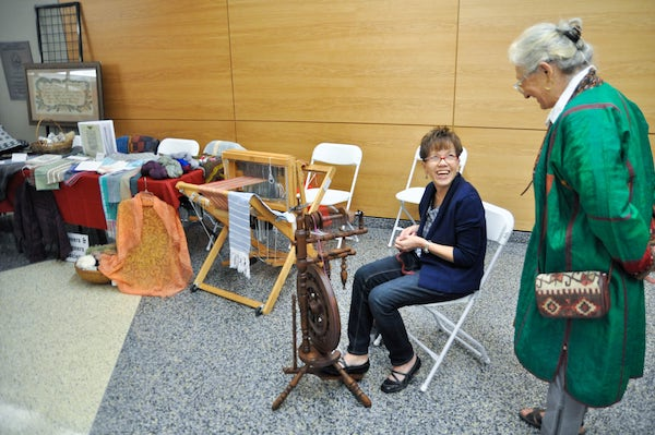 weaving demonstration history day 2015